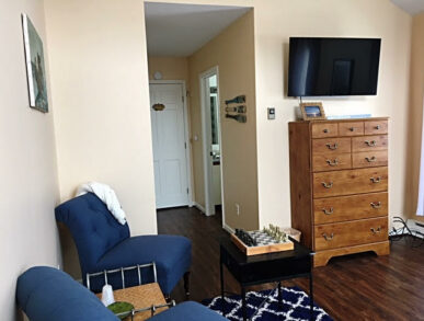 Image of Pine Room's Sitting Area with Smart TV